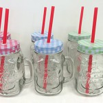 """6er-Set Trinkglas """"Ice Cold"""" mit Henkel, rotem Trinkhalm und Schraubdeckel - in Rot, Grün & Blau 400ml - Wespen- und Insektenschutz"""