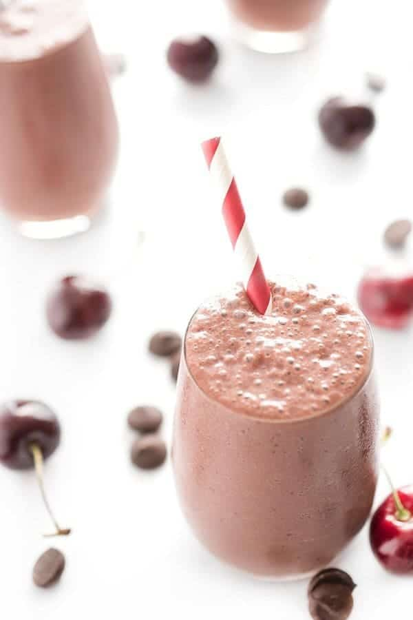 Chocolate-Cherry-Protein-Smoothie-a-healthy-breakfast-recipe